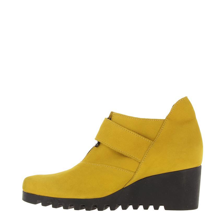 b5962270bf9 Botín de cuña para mujer Nobuck cumih (amarillo) Arche